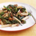 Pâtes à la bolognaise et aux brocolis
